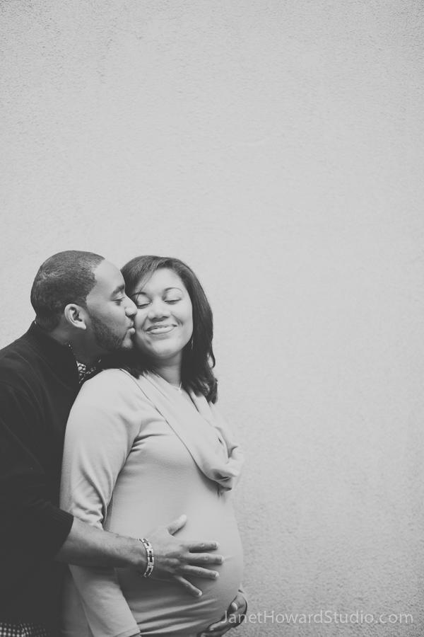 Atlanta maternity photos by Janet Howard Studio