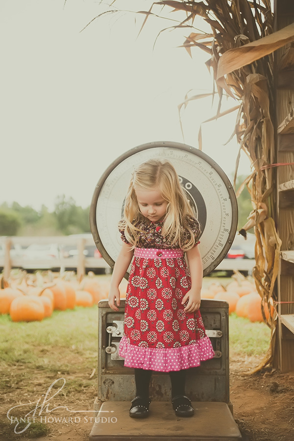 Family Portraits at Cagle's Family Farm
