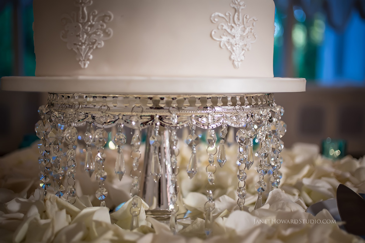 Wedding cake stand with crystals