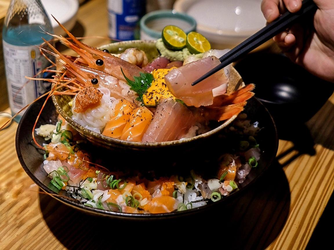 臺北松山|豪華雙層海鮮丼飯推薦!瞞著爹八德丼飯三店 – #janetfoodhunt