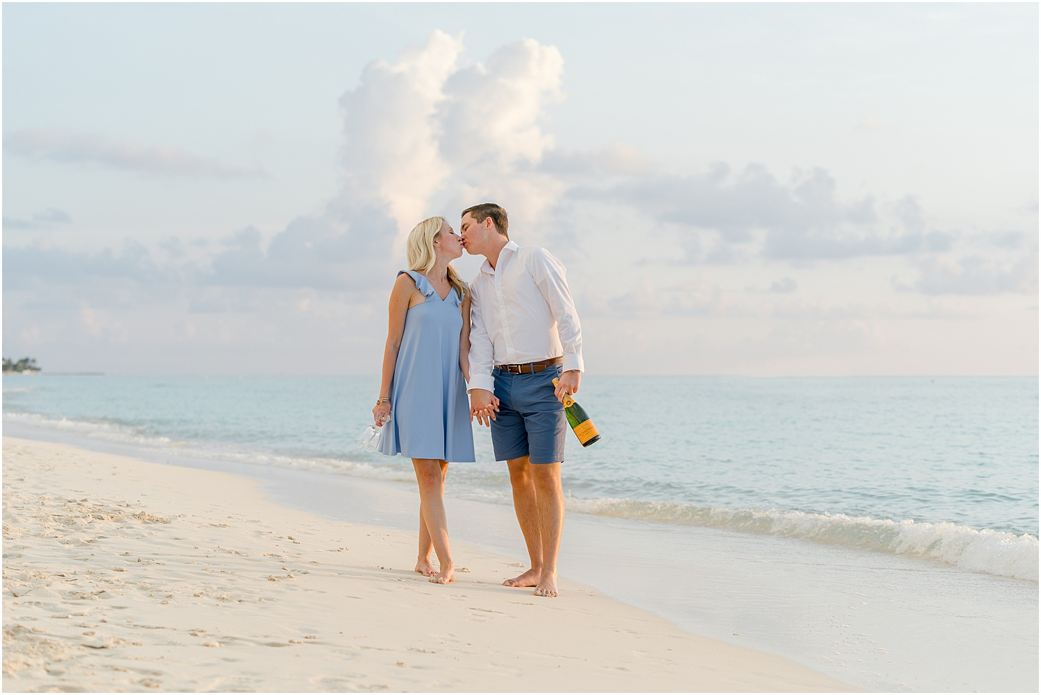 seven mile beach engagement session
