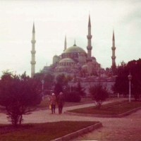 RED HOT SHOWERS, COOL BLUE MOSQUE & A MOUTHFUL OF CHESTNUTS - ISTANBUL, TURKEY