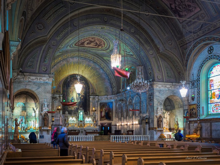 architecture, cityscape, church, interior, Montreal, people, colour