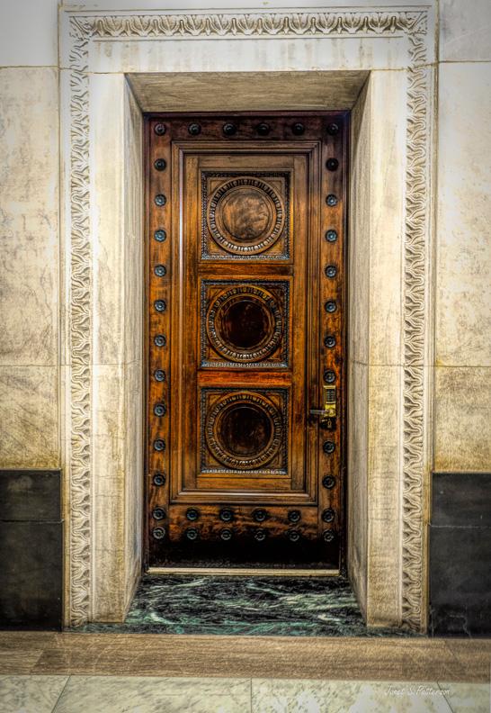 door, BMO, wood, decorative, Montreal