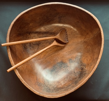 """Very Large Wooden Salad Bowl & Servers 19"""" x 20"""""""