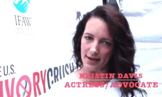 """WHAT BROUGHT """"SEX AND THE CITY"""" STAR KRISTIN DAVIS TO TIMES SQUARE?"""