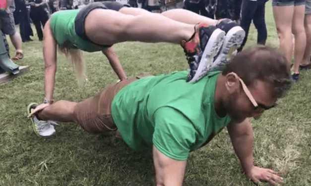 Dallas Bodybuilders Lift for Animals!