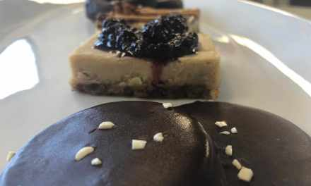 Sweet: Vegan Desserts by Yvonne's Kitchen!