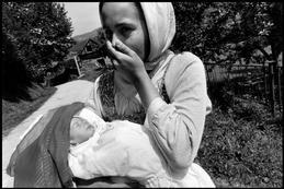 BOSNIA AND HERZEGOVINA. 1993. A hostage near Bosovaca.