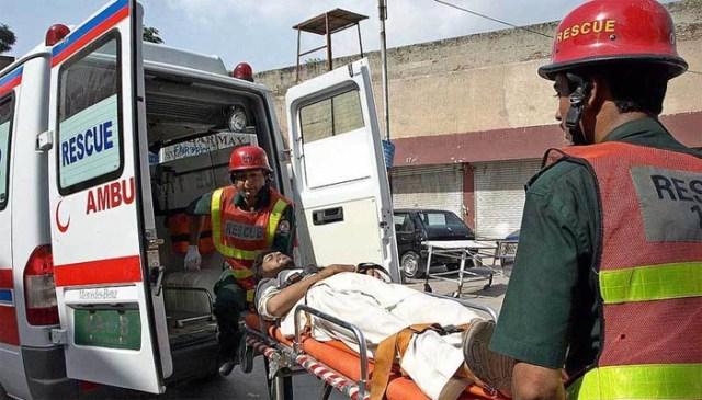 خیرپور ، 2گاڑیوں میں تصادم، 6افراد جاں بحق