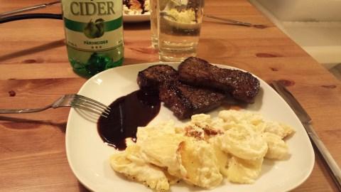 Ryggbiff, potatisgrattäng, madeirasås och cider.