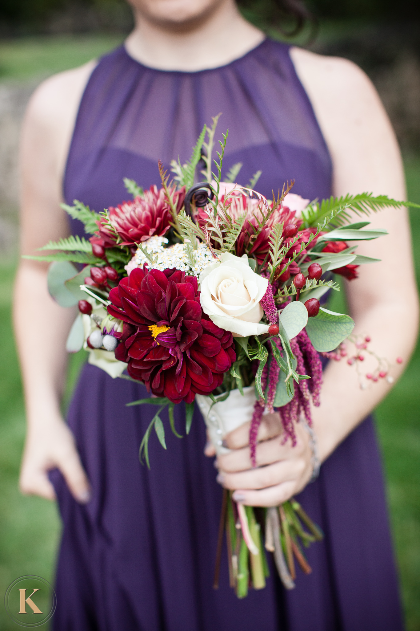 red and white bouquet, bridesmaid bouquet, wedding bouquet, lake of the ozarks, osage beach, lake ozark, camdenton, hand tied bouquet, janine's flowers, wedding flowers, lake wedding, fall wedding