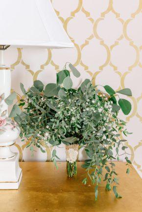 messy green bouquet, wedding bouquet, wildflowers, lake ozark, camdenton, osage beach, weddings at the lake, missouri, lake of the ozarks, weddings at lake of the ozarks, outdoor wedding, janine's flowers