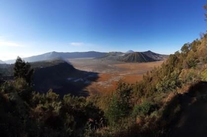 Znów cała kaldera, ale w innej gamie kolorów.