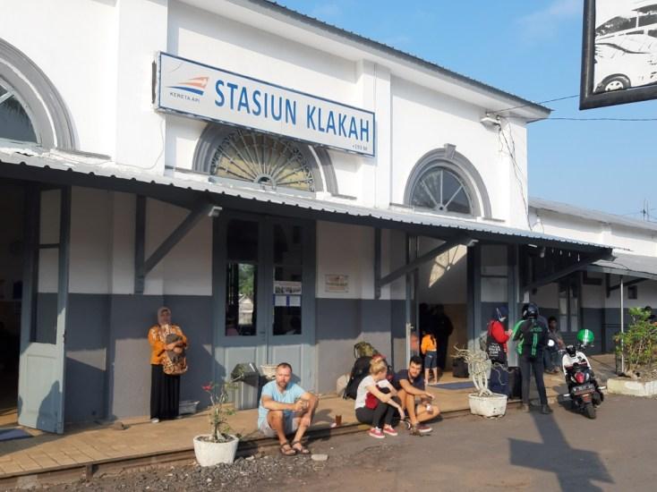Opuszczamy Lumadżang, oczywiście pociągiem, jakże by inaczej :)