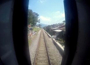 Pociąg Probowangi. Jedziemy do Banjuwangi, ostatniej stacji na Jawie.