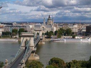 Z Budy na Most Łańcuchowy, Peszt i Bazylike