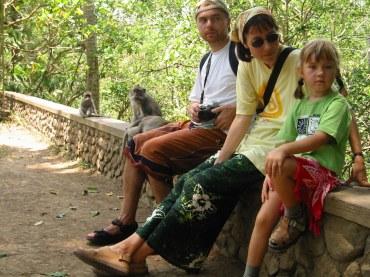 Monkey Forest. Małpy, my, słowem: jest rodzinnie ;)
