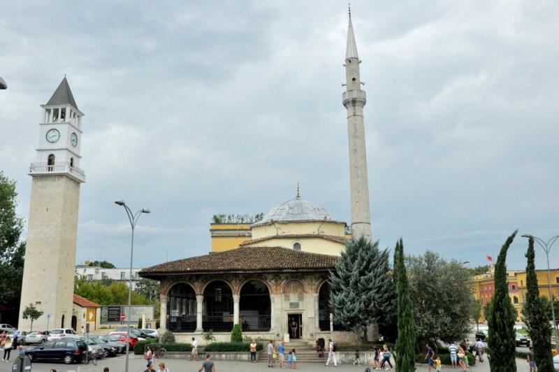 Najstarszy zachowany zabytek Tirany – meczet Hadżi Ethem Beja.