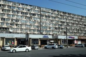Któreś z tych okien to nasz hostel.