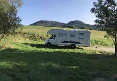 Ale nasz główny cel, to Góry Stołowe, dawniej zwane Hejszowiną. I nasz dom: 7 m długości, 3.20 wysokości, sypialnia, kuchnia, łazienka.