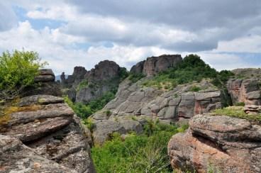 Bełogradczik i jego czerwone skały (Bełogradcziszki Skali). Triasowe piaskowcowo-zlepieńcowe.