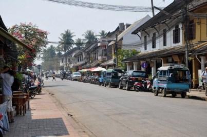 Luang Prabang – pierwsza stolica Laosu. Zaczął powstawać ok. VIII w. Do zamachu stanu i przejęcia władzy przez komunistów w 1975 r. Luang Prabang był stolicą Królestwa Laosu. Wpisany na listę UNESCO.