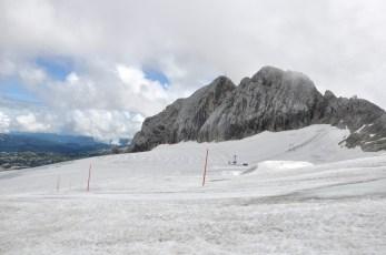 Lodowiec Schladminger Gletscher i kolejna ferrata ścianą Koppenkarstein (2790).