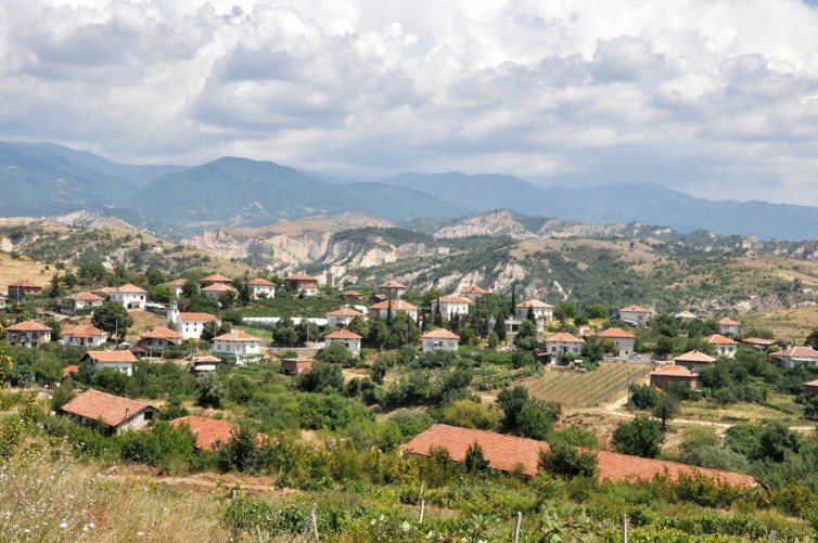 Rozpalona słońcem Macedonia Piryńska. Coraz bliżej Mełnika. I co raz bliżej Grecji.
