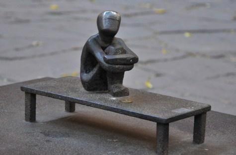 Najmniejszy pomnik w Sztokholmie, 12 cm.