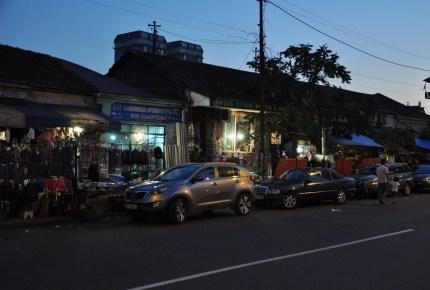 Jedna z bazarowych uliczek. Bazar w Batumi jest niesamowity i tani. Na pewno lepiej robić zakupy tu (np. przyprawy) niż w Tbilisi.