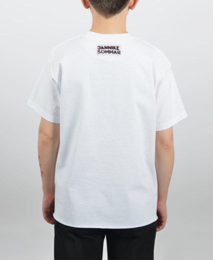 Kissing white t-shirt