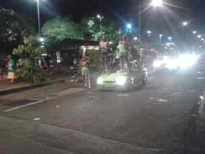 Carnival Leute auf Auto
