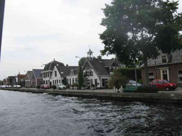Haeuser am Kanal