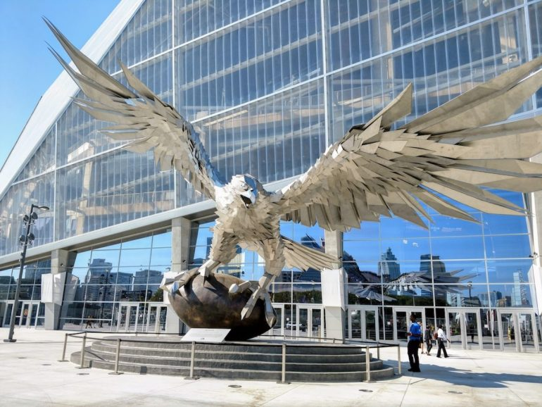 Falcons statue, Atlanta Falcons stadium