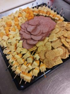 cheese-meat-and-crackers