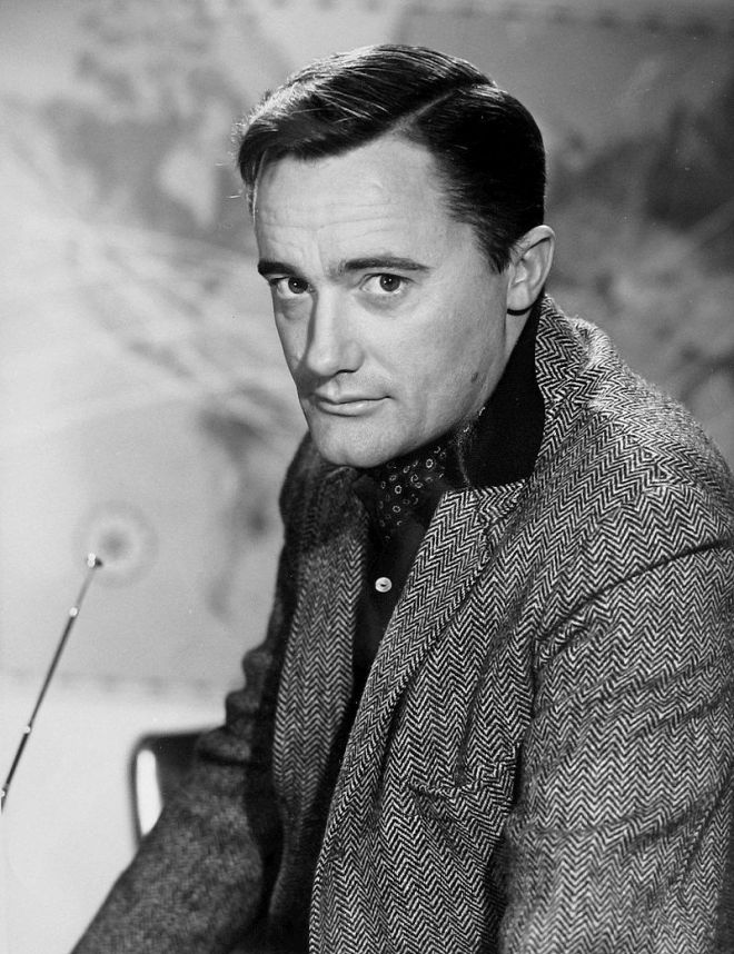 Robert Vaughn. Wikipedia