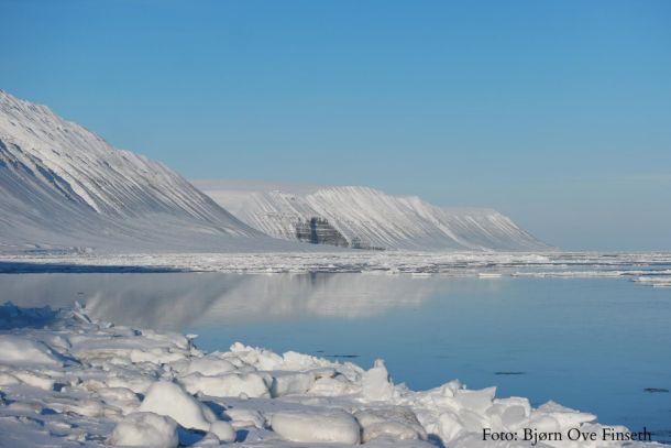 Zee-ijs bij Hopen, Spitsbergen op een stralende 22ste maart (bron: Bjørn Ove Finserh).