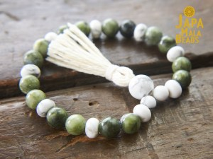 Saguaro Serpentine and Howlite Bracelet Mala