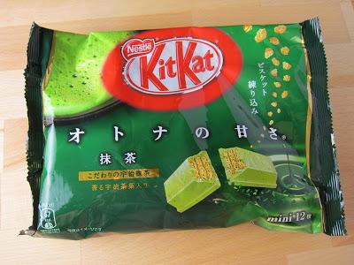 matcha-green-tea-kit-kat-01