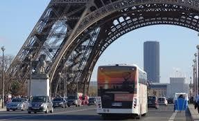 空港から凱旋門・エッフェル塔への移動はバス (LE BUS DIRECT」) が便利!