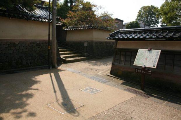 金沢市卯辰山麓伝統的建造物群保存地区