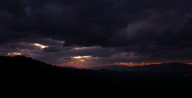 美しい日本の風景 吉野の夕暮れ