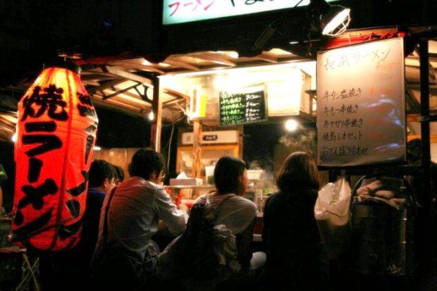 博多 夜の中洲 屋台の風景