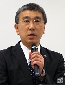 シャープディスプレイデバイスカンパニー開発本部本部長の伊藤康尚氏