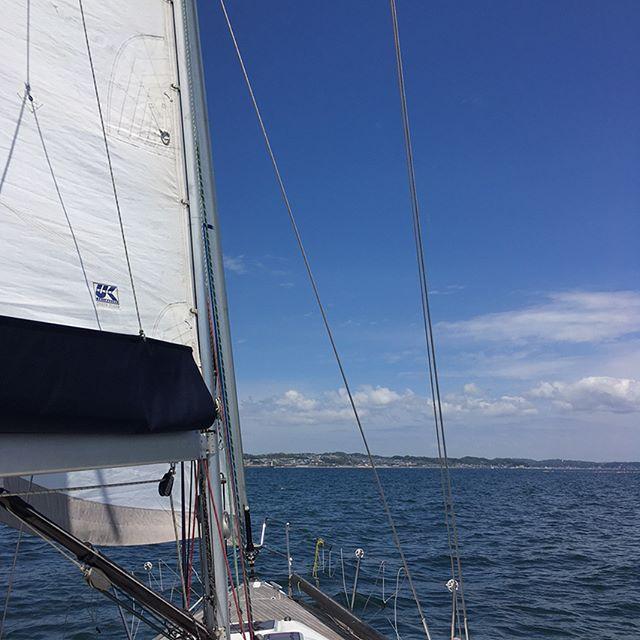 江ノ島 Enoshima #sea #beach #japan #sailing #yacht #yachting - from Instagram