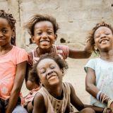 笑うアフリカの女の子