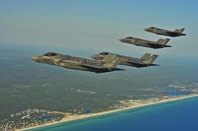 戦闘機と領土