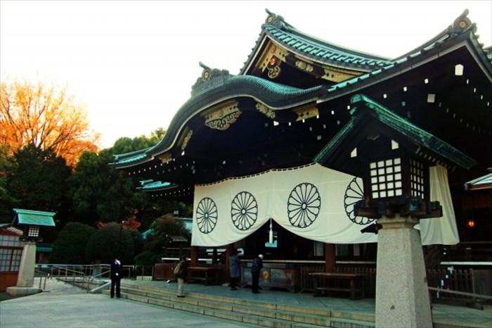 早朝の靖国神社
