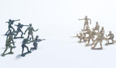 敵対する兵士